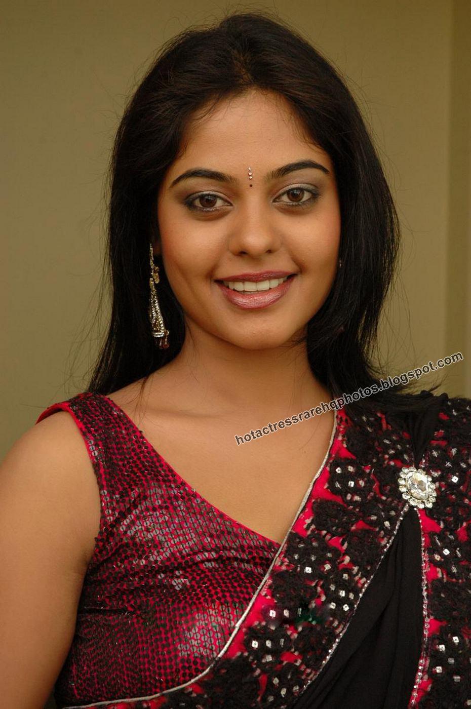Hot Indian Actress Rare HQ Photos: Kedi Billa Killadi ...