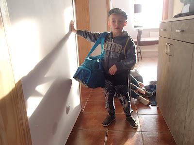 pierwszy samodzielny wyjazd, wyjazd dzieci na wycieczkę z noclegiem