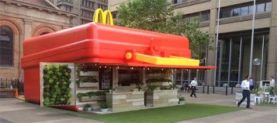 Loncheria McDonalds gigante