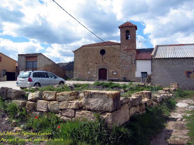arroyo-cerezo-iglesia-san-joaquin-plaza
