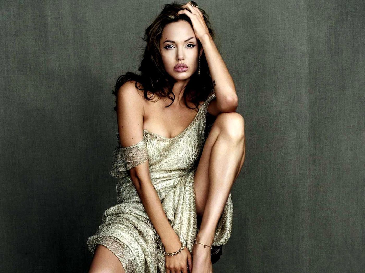 Angelina Jolie Hd Wallpapers: Hollywood Actress: Angelina Jolie's Hd Images