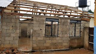 Die letzten Bauarbeiten in Uganda
