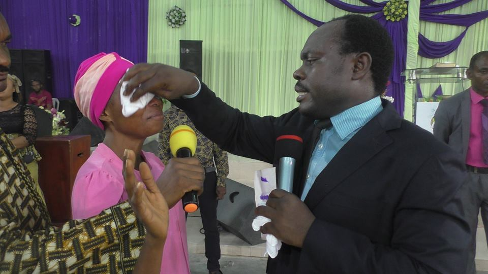 PROPHET (DR) DAVID KINGLEO ELIJAH DELIVERS A WOMAN