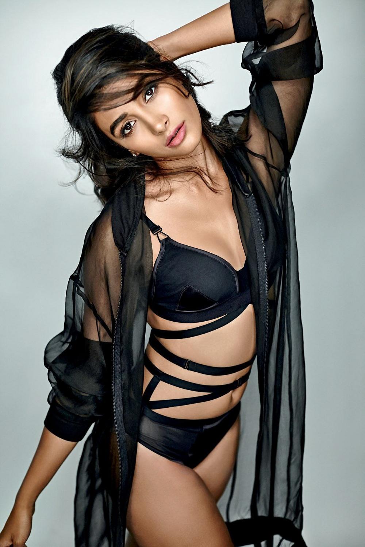 Pooja Hegde Super Hot Bikini Photo Shoot Images 2017 Year-1608