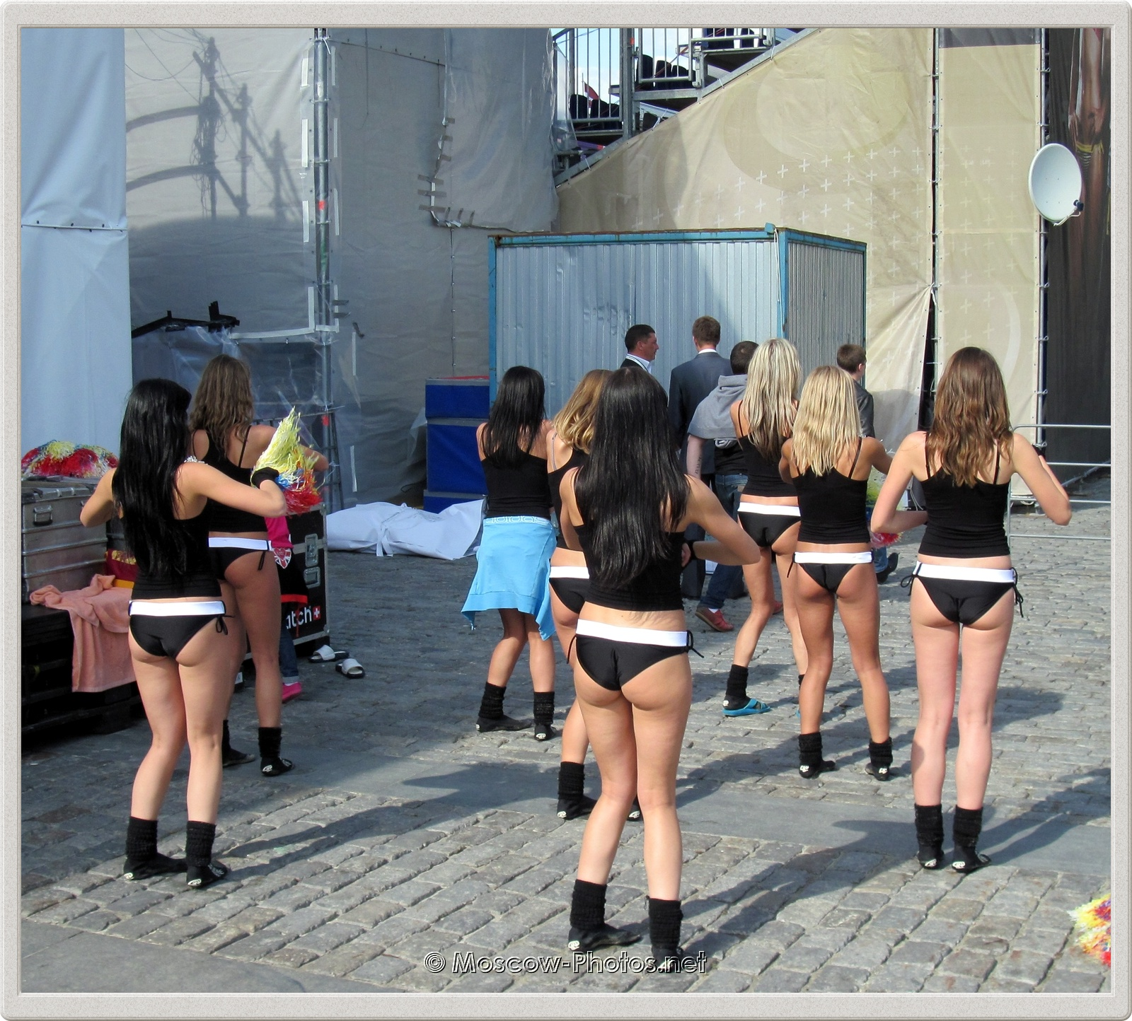 Beach Volleyball Cheerleaders before the show