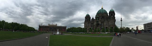 Altes Museum ou Museu Antigo, Berlim.