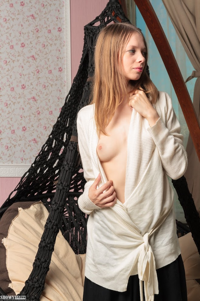 [ShowyBeauty] Elise - Sexy Posing