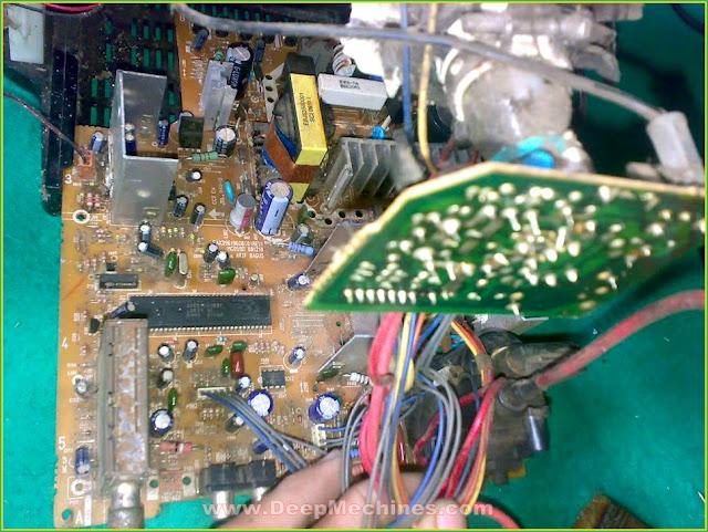 Perbaikan Kerusakan Mati Standby TV LG 14-Inch (14FU7AB)