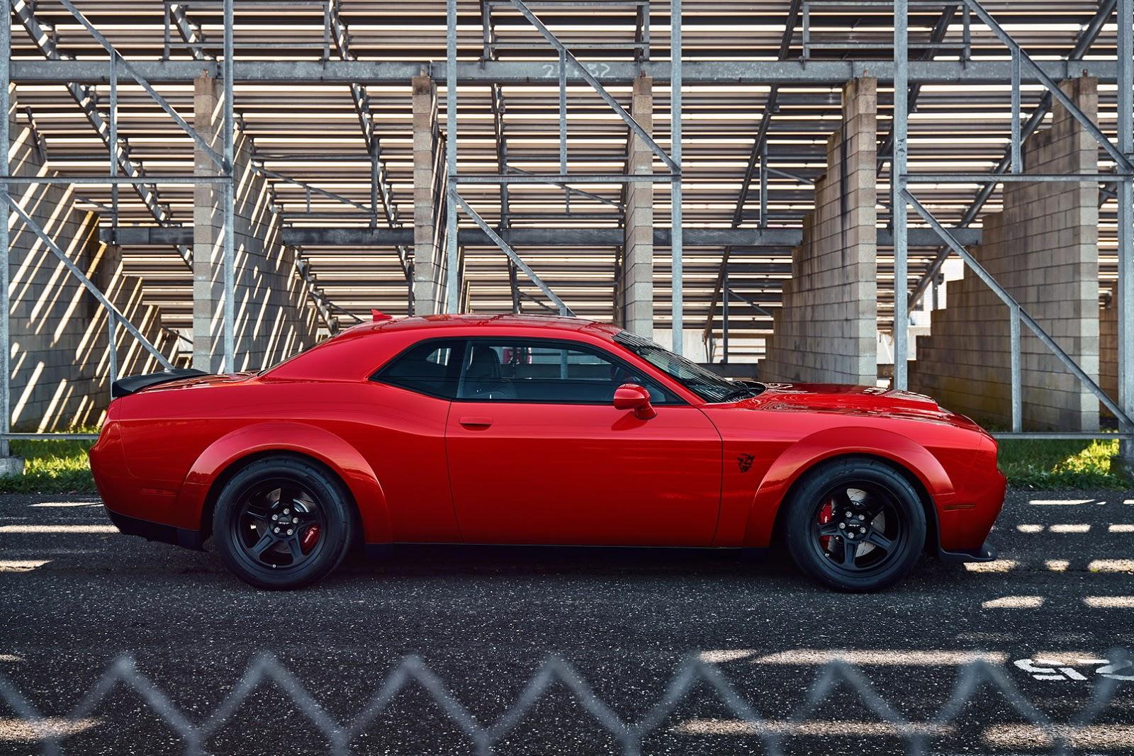 2014 - [Dodge] Challenger SRT - Page 3 2018-Dodge-Challenger-Demon-3