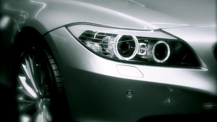 Wallpaper 2: BMW headlights