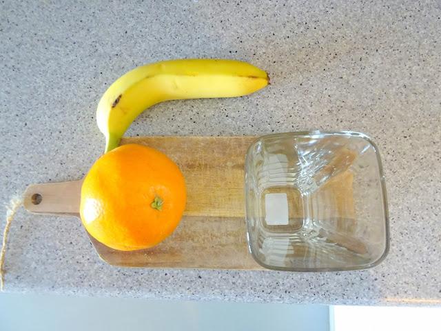 Banaani, appelsiini, mangosose, smoothie, resepti, Stocmann Casa, astiat, korkeat lasit, neliskulmaiset lasit, juomalasit