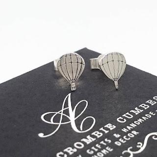 Abercrombie Cumbes metal stamped hot air balloon earrings
