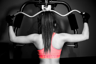 pixabay.com/en/workout-girl-weights-fitness-