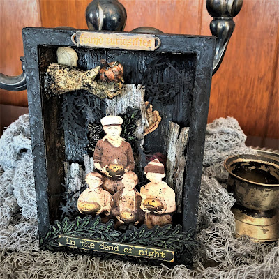 Sara Emily Barker https://sarascloset1.blogspot.com/2018/10/found-curiosities-vignette.html Found Curiosities Vignette Tim Holtz Ideaology Sizzix Alterations 1
