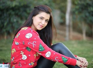 Actress Mannara Chopra Latest Poshoot Gallery  0017.jpg