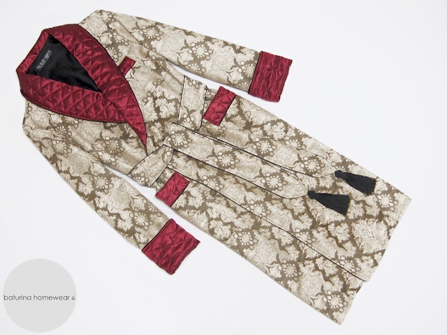 Men's long vintage style dressing gown with quilted silk collar in burgundy and gold