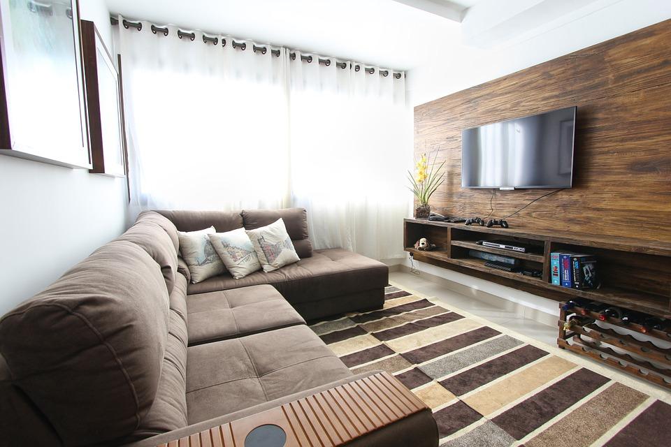 telewizor nad biokominkiem