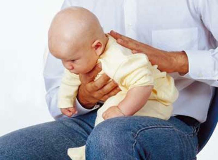 como eliminar gases en los bebes