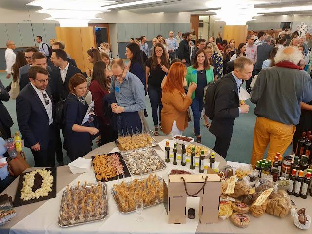 Στις Βρυξέλλες και το Ευρωπαϊκό Κοινοβούλιο ταξίδεψαν τα Πελοποννησιακά ΠΟΠ προϊόντα
