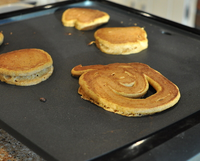 Pumpkin-shaped pancakes