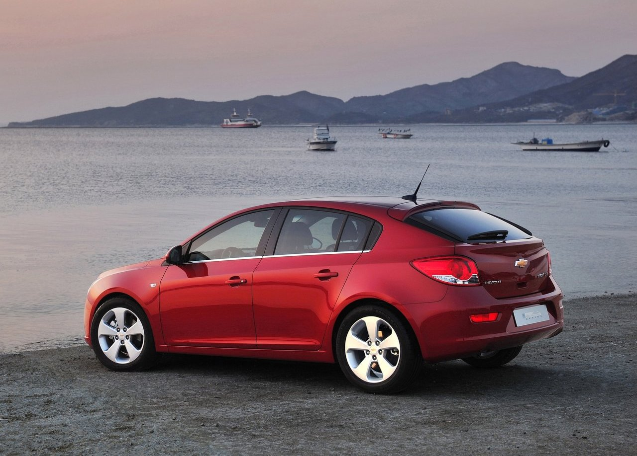 new cars by chevrolet type cruze hatchback auto unique and new cars. Black Bedroom Furniture Sets. Home Design Ideas