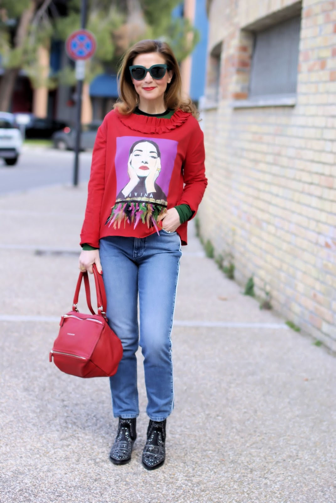 The feathers trend Spring Summer 2018 on Fashion and Cookies fashion blog, fashion blogger style