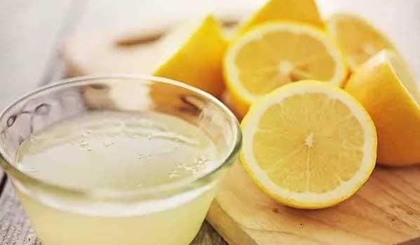 cara menghilangkan karang gigi dengan air lemon