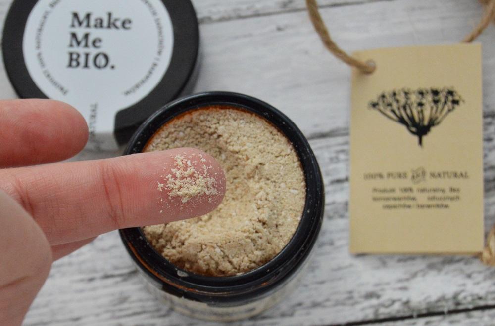 Delikatny peeling do twarzy - Almond Scrub - Make Me Bio