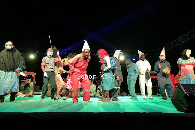 Gubang-Gobang-Dance-Letung-Jemaja-Anambas-Indonesia