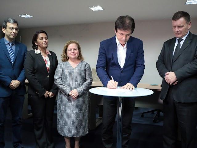 Governo do RN firma parceria para emissão de RG nos Correios