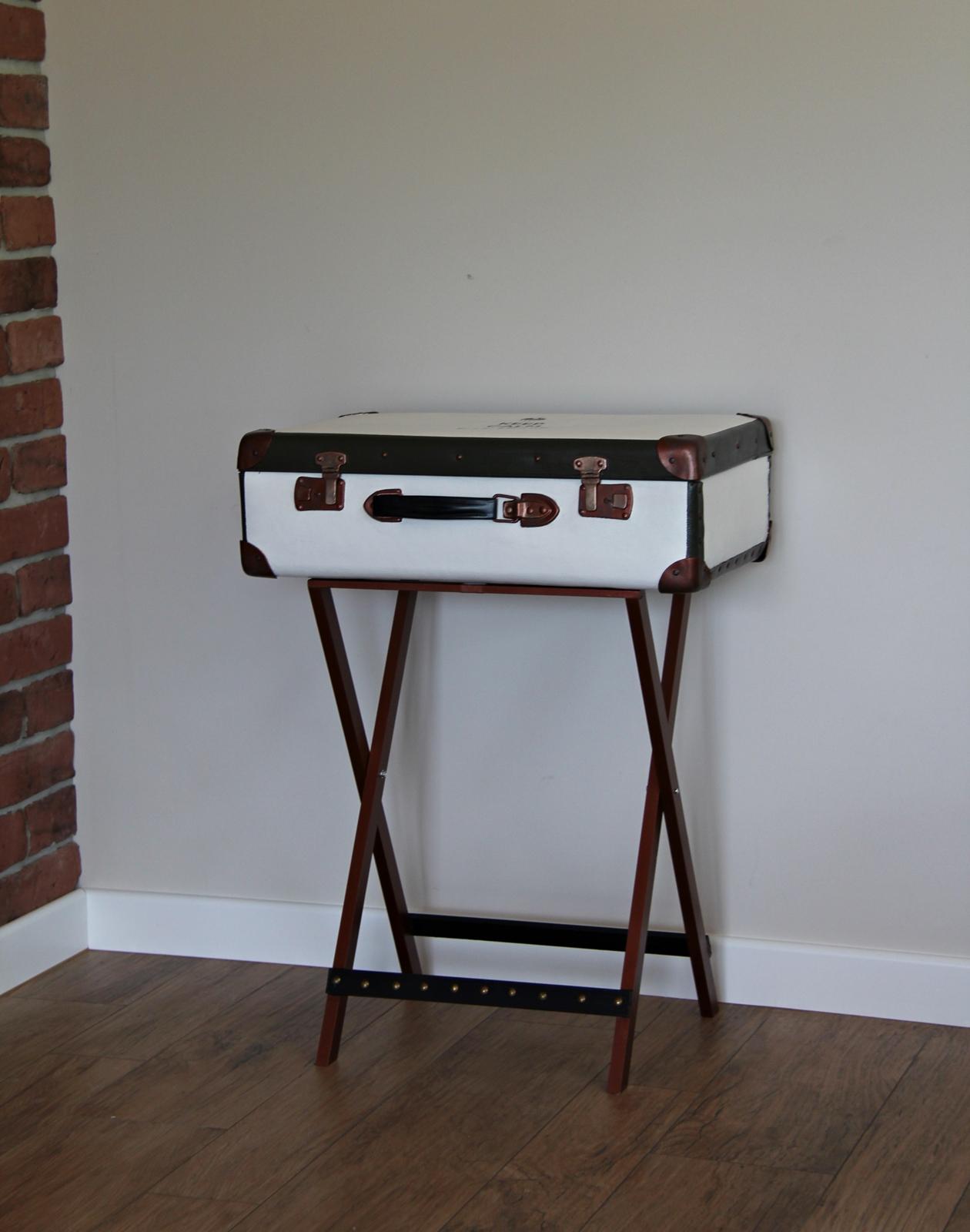 stolik vintage walizka