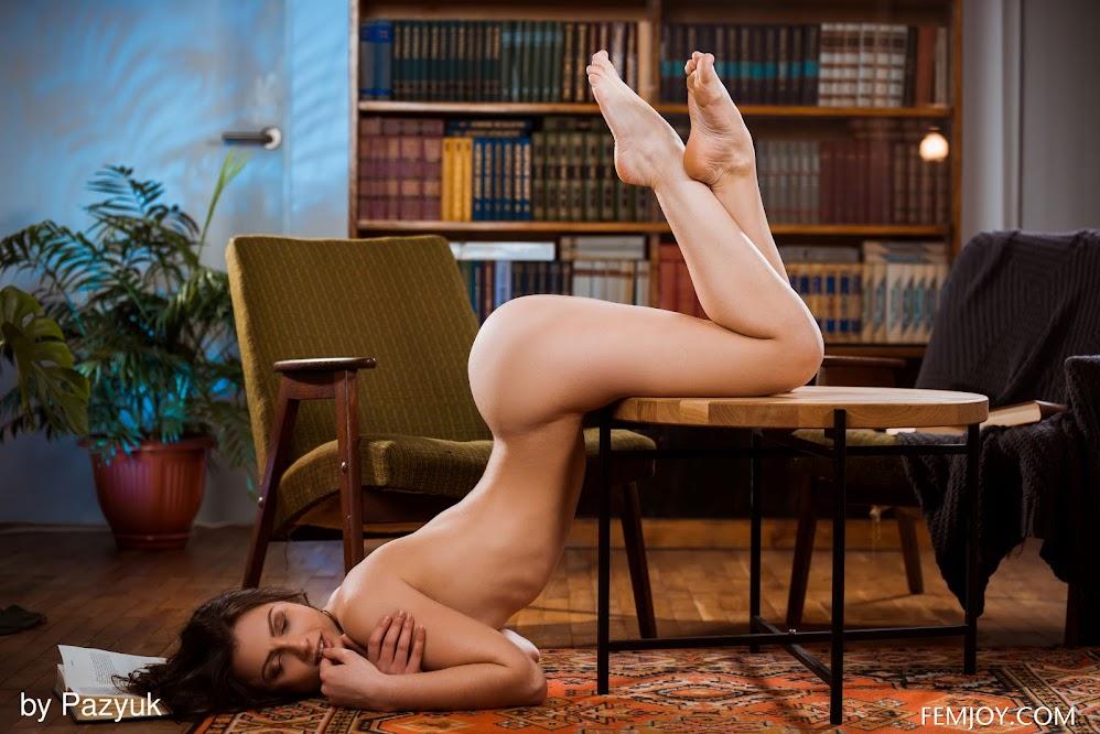 [FemJoy] Melina F - Library Secrets - Girlsdelta