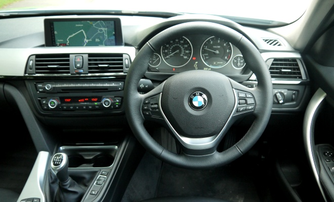 BMW 320d Efficient Dynamics - driver view