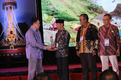 Kabupaten Pringsewu Raih Smart Sanitation Award AKKOPSi 2018