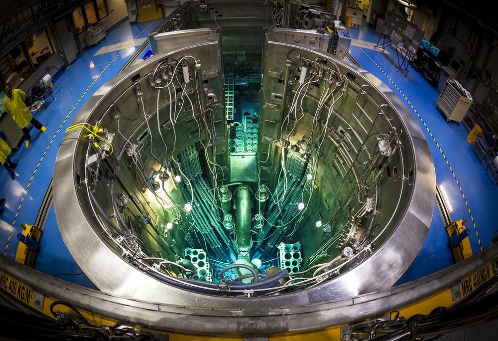 URANIUM PLUTONIUM NUCLEAR MOX WASTE POWER PLANT MINING BOMBS ATOMIC SHELTER RADIOACTIVE