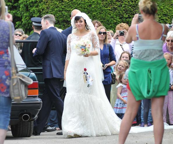 fdd3cfdeeae2 Ed Fadiel Lily Allen To Get Married In Chanel Wedding Dress
