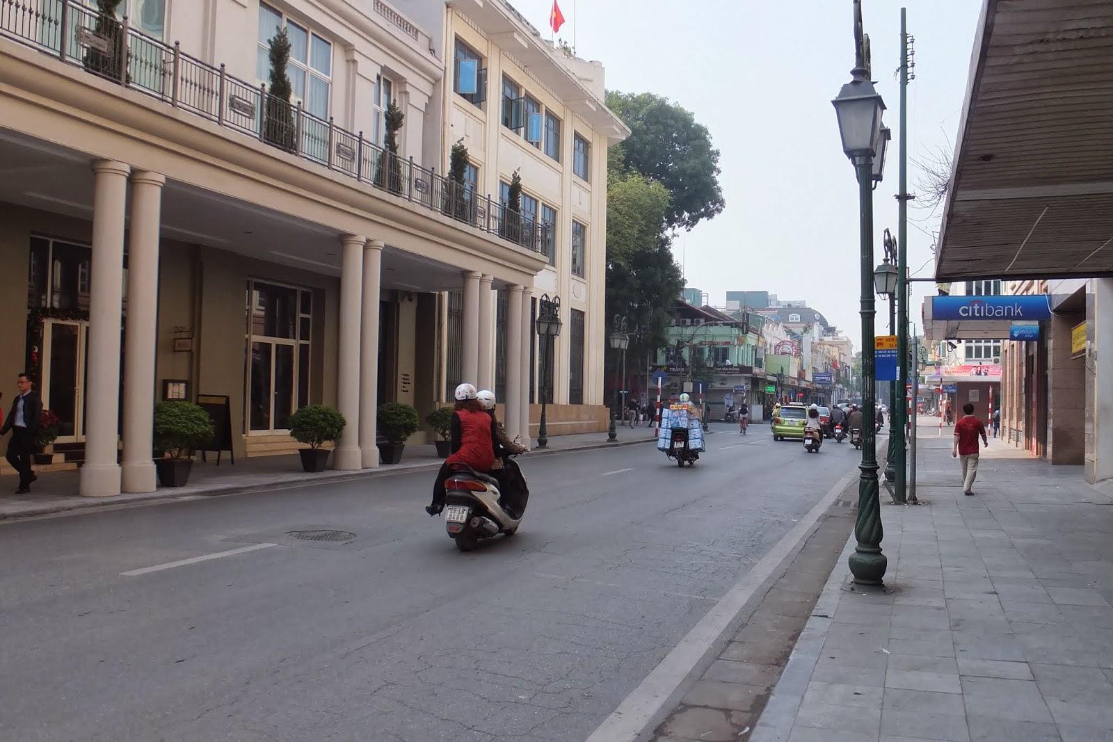 hanoi-motorcycle ハノイのバイク2