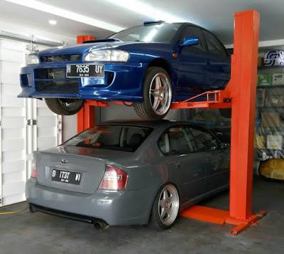 mengatasi menyimpan 2 mobil dalam 1 garasi yang sempit