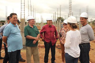 Deputado Lebrão visita obras da UPA no município de Seringueiras