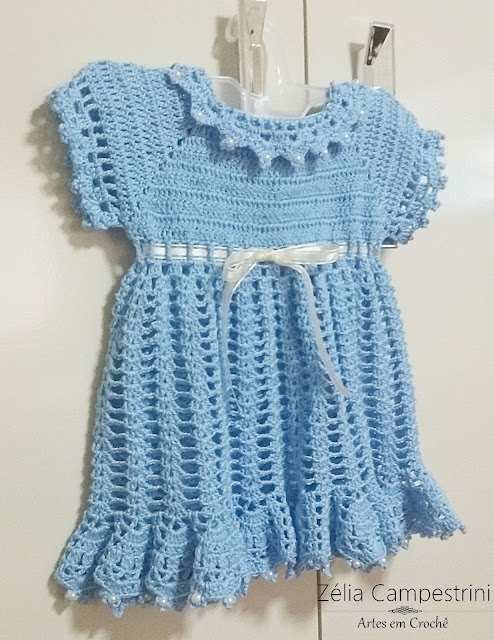 Vestido infantil em crochê na cor azul + Sandália!