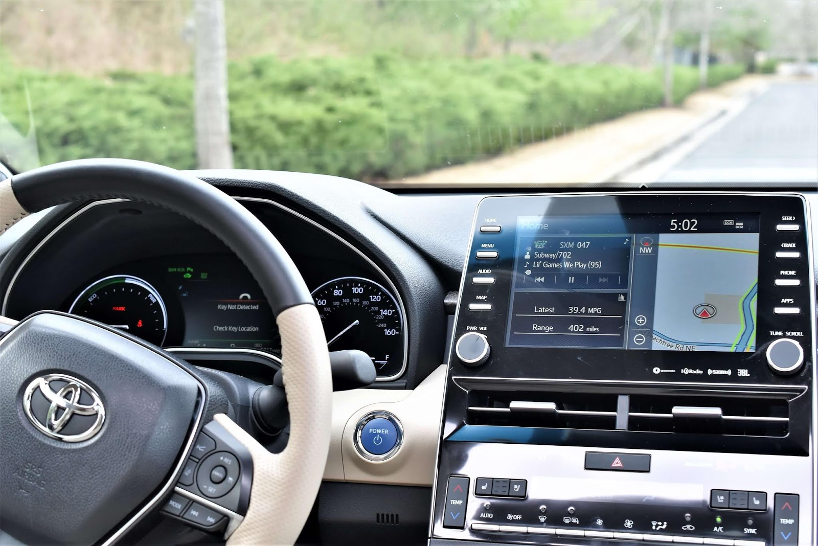 "2019 Toyota Avalon Hybrid Limited 7"" Display Screen"