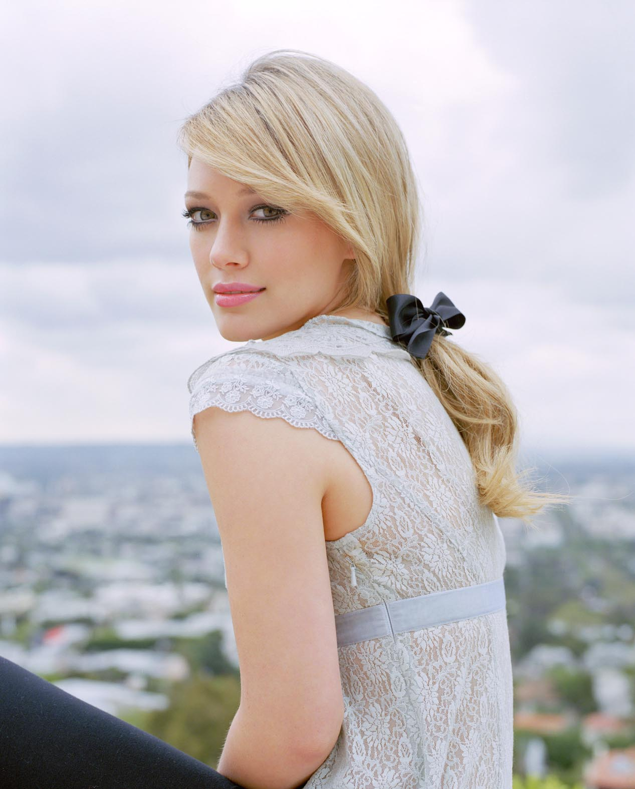 Sweet Girls Wallpaper: Latest Hollywood Hottest Wallpapers: Hilary Duff 2011