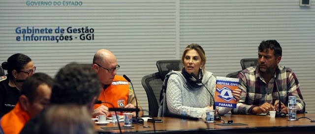 Governadora confirma liberação do trânsito de combustíveis no Paraná