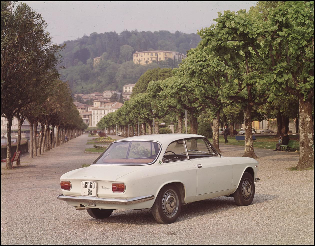 Giulia%2BSprint Δεν γνωρίζεις τι εστί Alfa Romeo άμα δεν γνωρίζεις την ιστορία της Alfa, alfa romeo, Alfa Romeo Soul, Alfisti, Giulia, Heritage, museoalfaromeo, videos, zblog