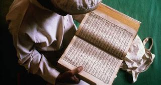 Musulmonas skaito koraną