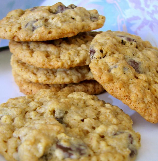 Chocolate Chip Oatmeal Cookies By Nate