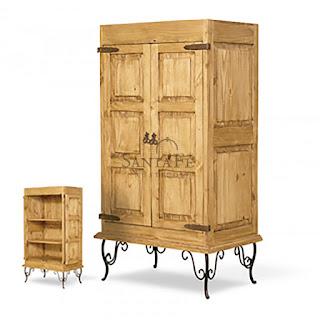 הגלריה המקסיקנית המקום לעיצוב הבית - ארון עץ עשוי עץ אורן איכותי השומר על המוצר לאורך זמן. ארון בעל רגלי פירזול מטריפות בעיצוב מרהיב. שילוב של איכות ויופי מרשים. ארון בעל שתי דלתות עץ דקורטיבות בעלות עומקים בסיגנון