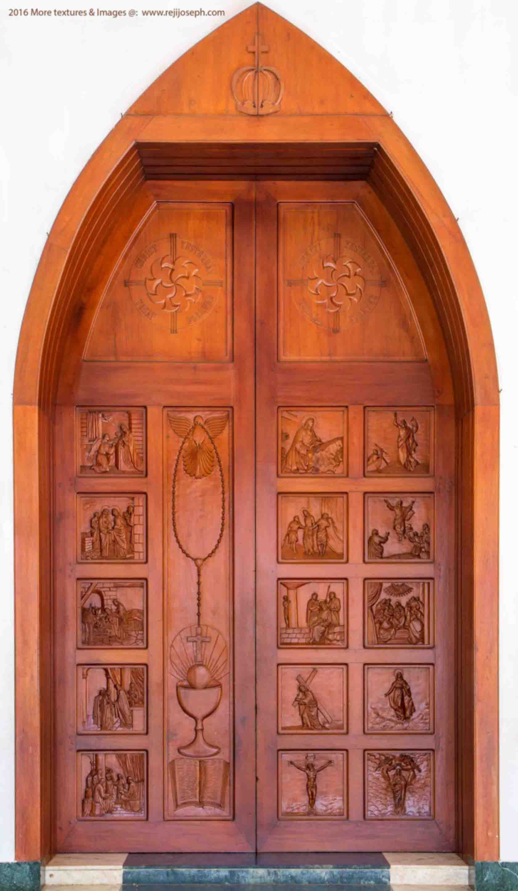 Rosary mystery wooden relief Church door