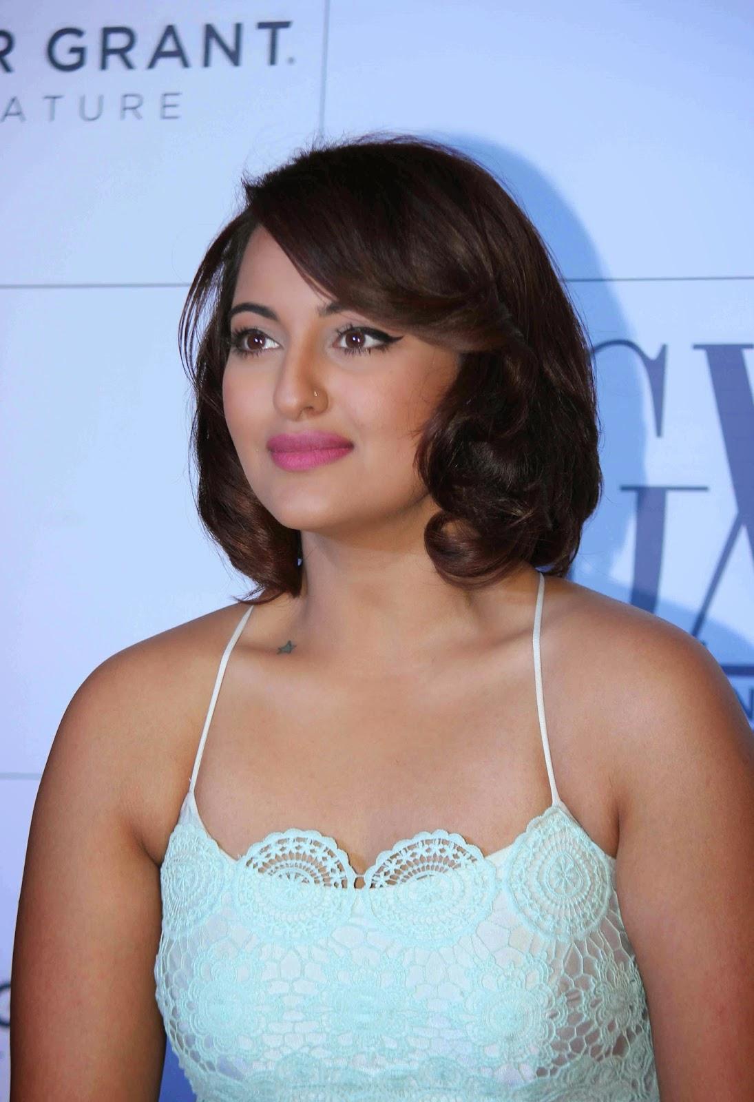 sonakshi sinha sexy figure