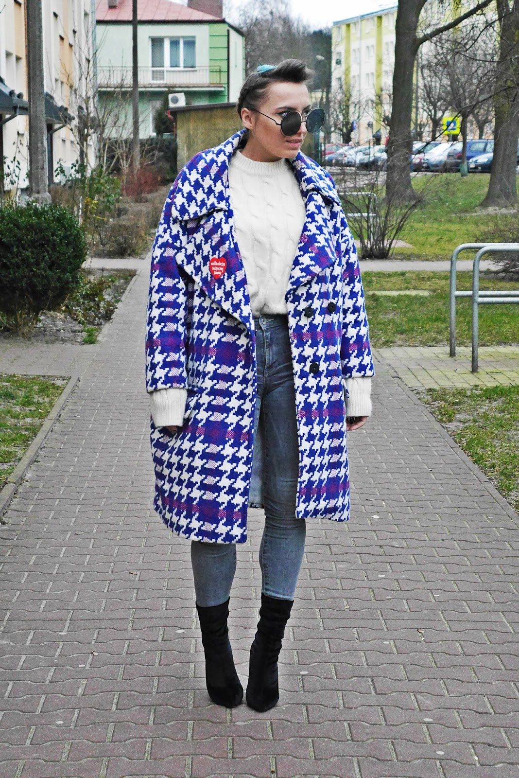 4_big_coat_denim_pants_socks_boots_karyn_blog_modowy_140118